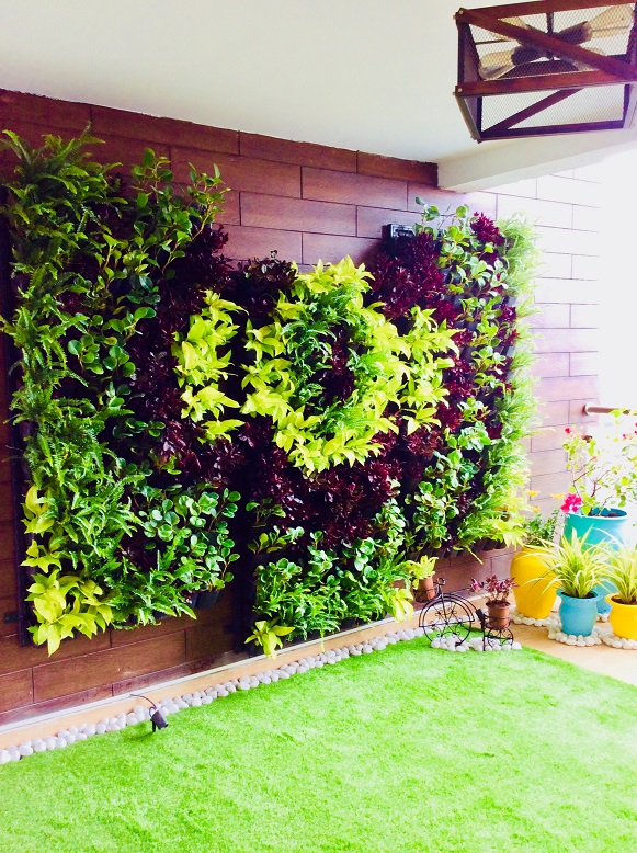Vertical garden indoor